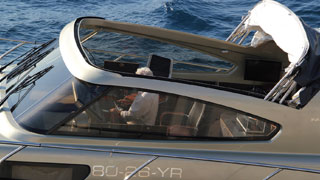 Targa Roof System - Photo courtesy of Motion Yachts BV